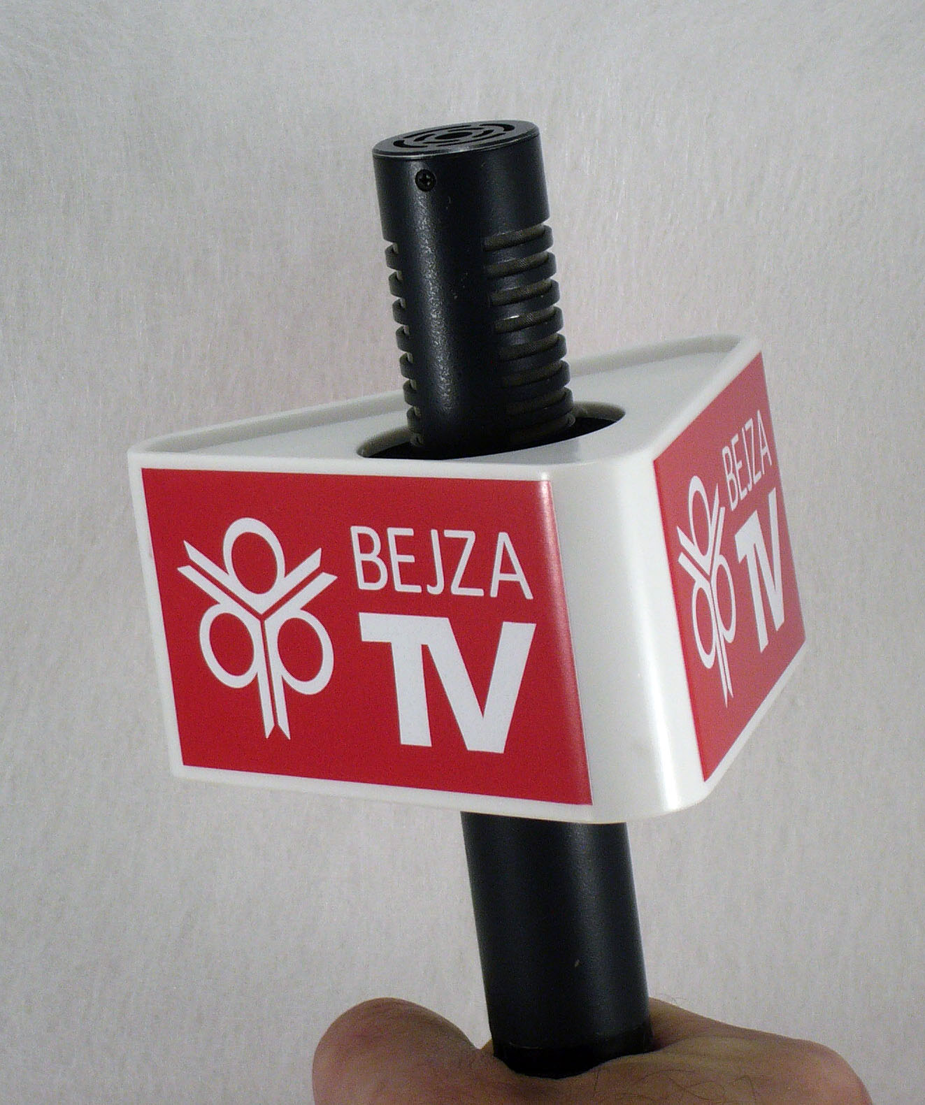 Mic Triangle Bejza TV