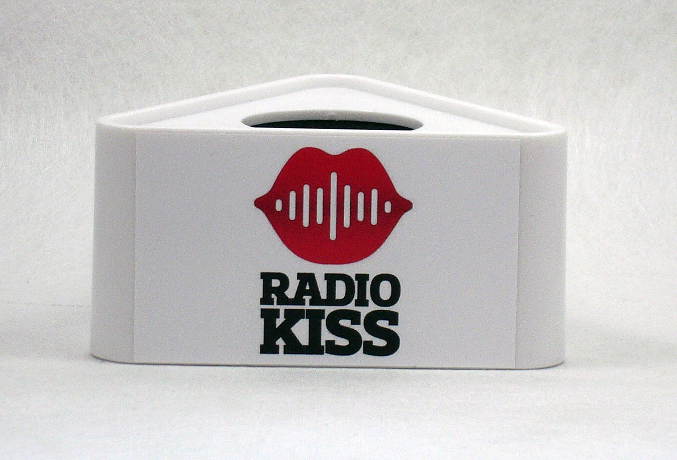 Mic Triangle Radio Kiss
