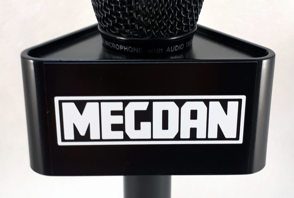 Mic Triangle Megdan