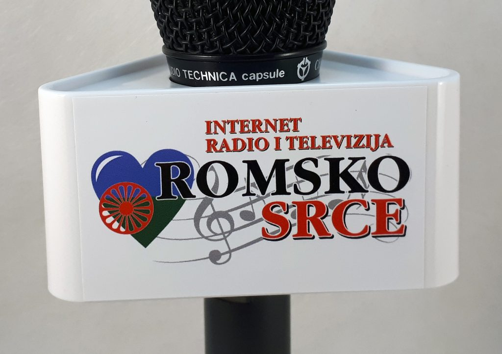 Mic Triangle Romsko Srce TV