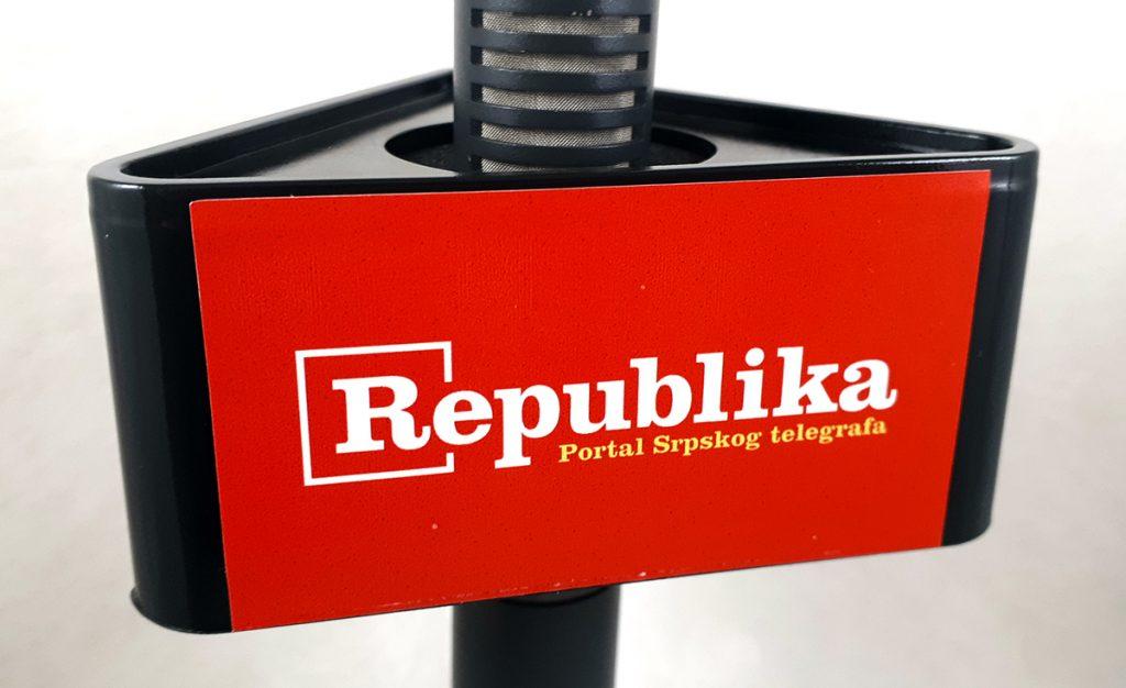 Mic Triangle Republika